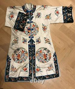 20th C Silk Vintage Chinese White Embroidered Figures + Flowers Silk Robe £700+