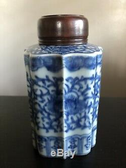 Antique 19th C Chinese Blue & White Porcelain Lobed Tea Caddy & Wooden Lid NR