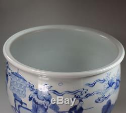 Antique Chinese porcelain blue and white jardinière, Kangxi (1662-1722)