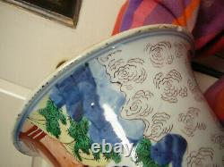 Important Chinese porcelain wucai famille verte beaker vase early Kangxi 17th C