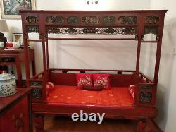 Not To Miss- Chinese Elegant Qing Dynasty Lady Bed With Intricate Gilt Carvings