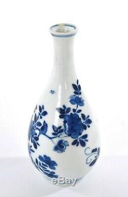 17c Chinois Kangxi Bleu Et Blanc Porcelaine Prunier Bouteille Oiseaux Vase En L'état