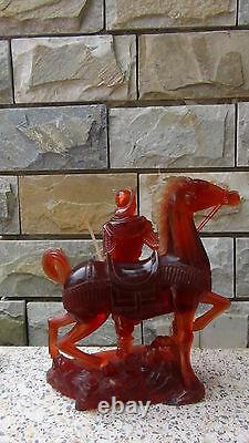 Antique 19c Vieux Chinois Amber Carved Rare Grand Guerrier Withhorse Sur Stand Statue