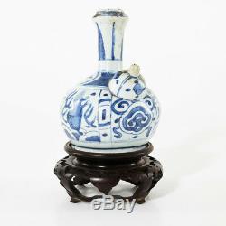 Antique Bleu Et Blanc Dynastie Chinoise Des Ming Wanli Période Kendi Porcelaine