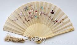 Antique Oiseau-papillon Chinois / Japonais Broderie Sculpté Soie Fan & Vernis Box
