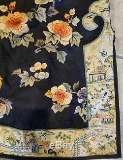 Antiquité Robe Brodée Chinoise En Soie Brodée Papillons Melons