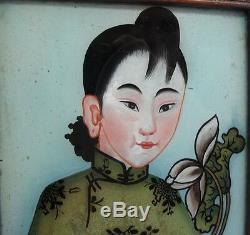 Belle Paire De Peintures Inversées Antiques Chinoises Sur Verre V. 1820 Dames Avec Des Fleurs