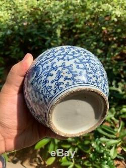 Bleu Estate Collection Antique Chinois Et Blanc Vase En Porcelaine