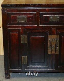 Buffet D'armoire Chinois Vintage Laqué Sculpté Et Pièce Détaillée