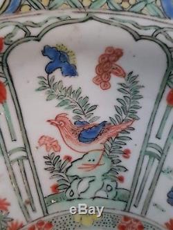 Chargeur Chinois En Porcelaine Avec Rapport