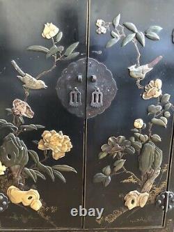 Ensemble De 2 Antiques Antiques Asiatiques Antiques Cabinets De Laque Noire Stone Inlay