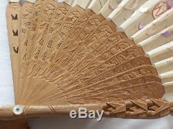 Fan De Dragon De Soie Brodé À La Main Antique De Buis De Canton Chinois Dans La Boîte Originale
