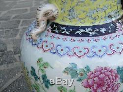 Grands Vases En Porcelaine De Chine, Famille Rose