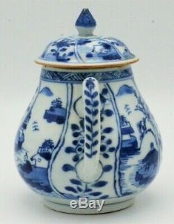 Kangxi Période (17ème / 18ème) Siècle Chinois Antique Bleu Et Blanc Porcelaine Teapot