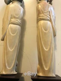 Lot De 2 Vieilles Figures Bovines D'os Chinois. Bois Pied