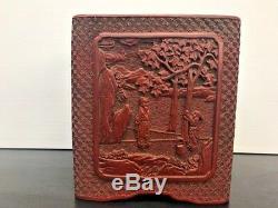 Navire Antique Cinabre Rouge Chinois Finement Sculpté Avec Base En Bois Signature