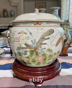 Nice Antique Chinese Famille Rose Porcelain Lidded Jar