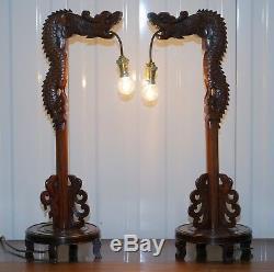 Paire De Chinois Acajou Dragon 1920 Sculpté À La Main En Bois Lampes De Table Vue Partielle Set