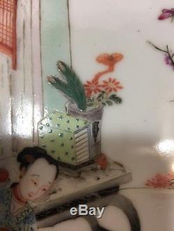 Qing Chinese Plaque En Porcelaine De La Famille Rose Cadre En Bois Lady & Boys Chine MC Du 19ème