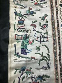 Remarquable Antique / Vintage Chinois En Soie Brodée Robe Fine Broderie