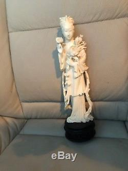 Statue Chinoise De Femme Sculptée À La Main