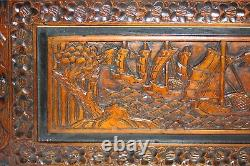 Vintage Sculpté À La Main Chinoise Camphor Bois Chest- Ship & Floral Motif